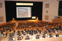 大型スクリーンを使った講演