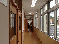 2014/03/18 玄関から図書室に向かう廊下。